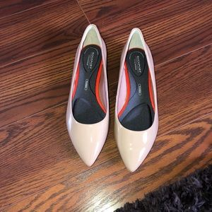 NWOT Nude rockport total motion trutech flats